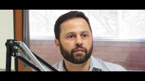 Ex-secretário acha US$ 1 mil em aeroporto em Campinas, não devolve e é detido