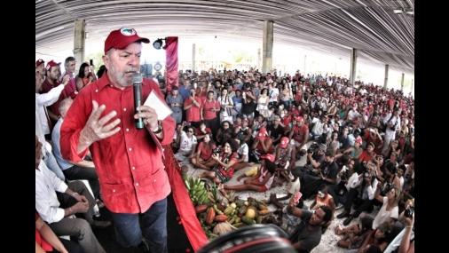 Na Bahia, Lula diz que acusadores devem pedir desculpas a ele