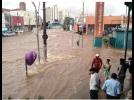 Forte chuva alaga ruas em Piracicaba