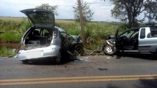 Duas pessoas morreram em acidente
