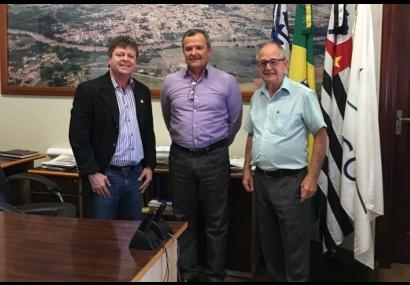 Presidente Michel Temer faz doação para Sta Casa de Tietê
