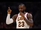 LeBron brilha e Cavaliers vence Celtics em jogo marcado por grave lesão