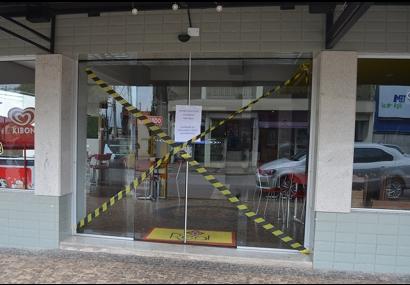 Vigilância Sanitária interdita estabelecimentos em Tietê