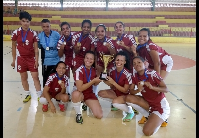 Futsal Feminino é Campeã invicta da Copa Cesário Lange