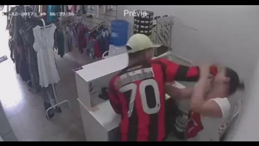 Funcionária é agredida durante assalto em Tietê