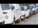 Carros abandonados em frente ao Posto de Saúde em Tietê