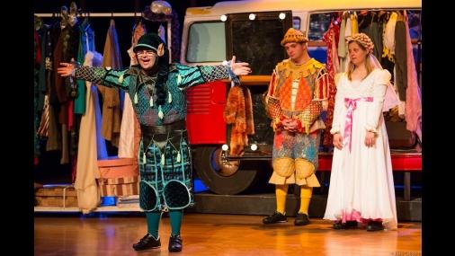 "Teatro Municipal recebe peça ""Colegas"""