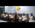 Presidente do Fundo Social entrega certificados