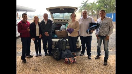 Alunos do Projeto Professor da Praça reúnem doações