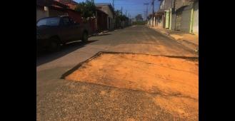 Ronaldinho pede melhorias em vários pontos da cidade