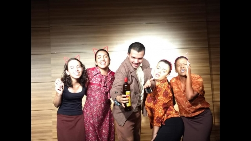 Cia Teatral 4 cantos apresenta espetáculo no teatro Ceu das Artes