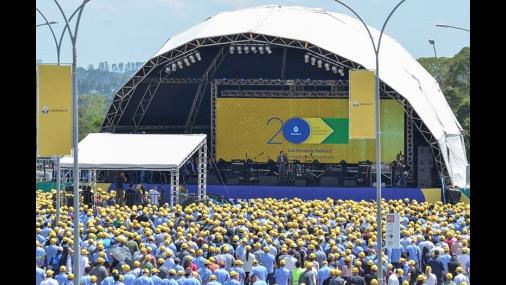 Renault comemora 20 anos de fábrica no Brasil