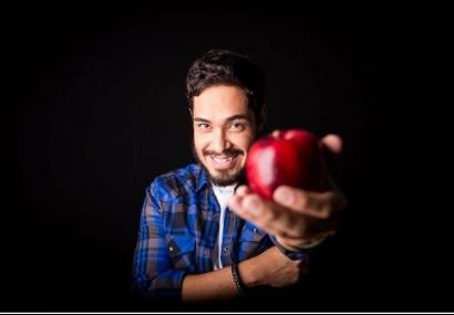 Teatro Municipal recebe Diogo Almeida em �Vida de Professor�