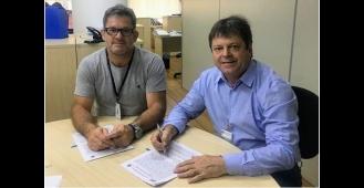 Vlamir Sandei assina convênio com a FEHIDRO
